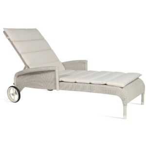 Safi-sunlounger-with-arms-outdoor-01